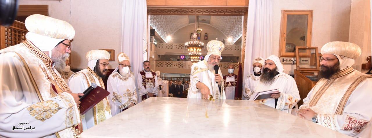 قداسة البابا تواضروس الثاني يدشن كنيسة مارمرقس والبابا بطرس خاتم الشهداء بالإسكندرية في اليوبيل الذهبي لإنشائها
